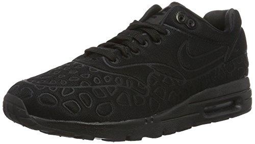 Nike Damen Air Max 1 Ultra Plush Sneakers, Schwarz