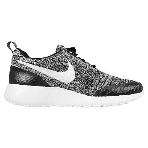 Nike Damen Wmns Roshe One Flyknit Turnschuhe, Schwarz - 7